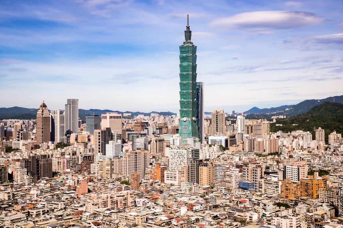 台灣2020年4月16日捐贈200萬片口罩給日本,日本政府發言人菅義偉17日表達謝意,日本民眾也在網絡致謝。(陈柏州/大纪元)