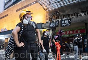 組圖:十一香港烽火連天 港民無畏無懼