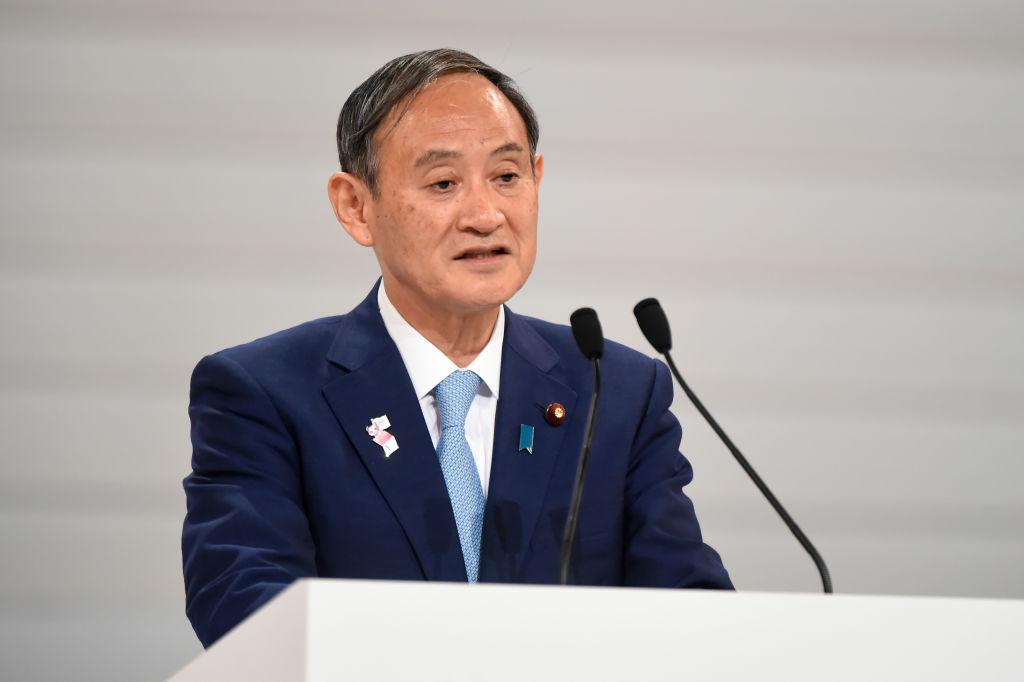 日本內閣官房長官菅義偉表示,該法案的通過「令人遺憾」,這是日本迄今為止為香港問題發出的最強烈的抗議。(Matt Roberts/Getty Images)