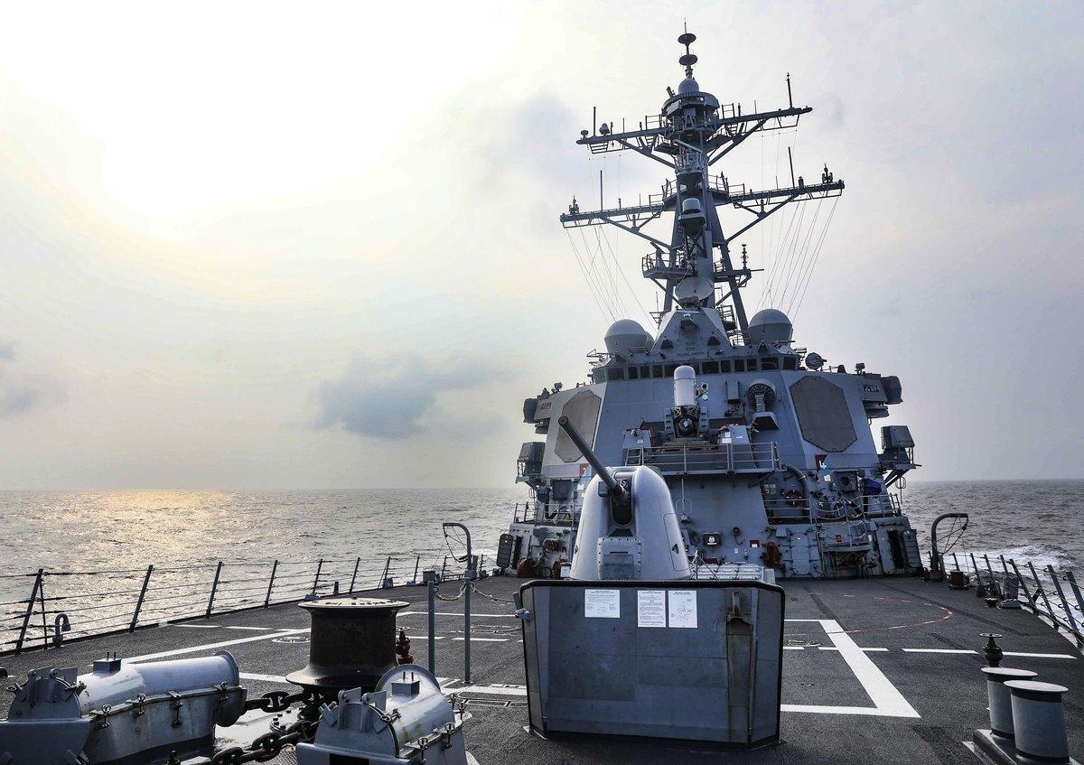 2021年7月28日,美軍伯克級導彈驅逐艦「本福德號」(USS Benfold DDG-65)通過台灣海峽,這是美軍艦艇今年第七次穿越該水域。(圖片取自第七艦隊官網)