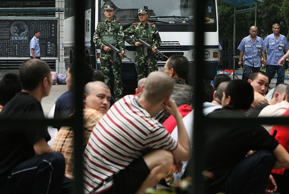 2019年12月22日,一張聖誕卡求救信揭發中國上海青浦監獄強制囚犯工作的內幕,引起全球關注。周一,曾在大陸經歷類似遭遇的當事人透露更多細節。圖為重慶監獄。(China Photos/Getty Images)