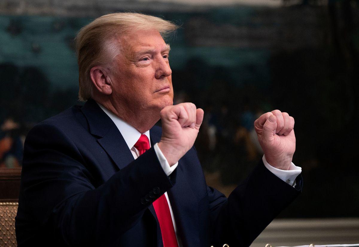 學者表示,特朗普目前採取明、暗「兩線作戰」。(ANDREW CABALLERO-REYNOLDS/AFP via Getty Images)