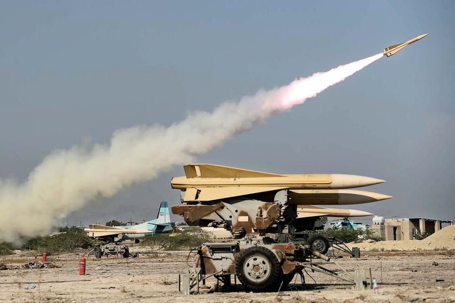 消息:特朗普將制裁涉伊朗武器交易二十餘人