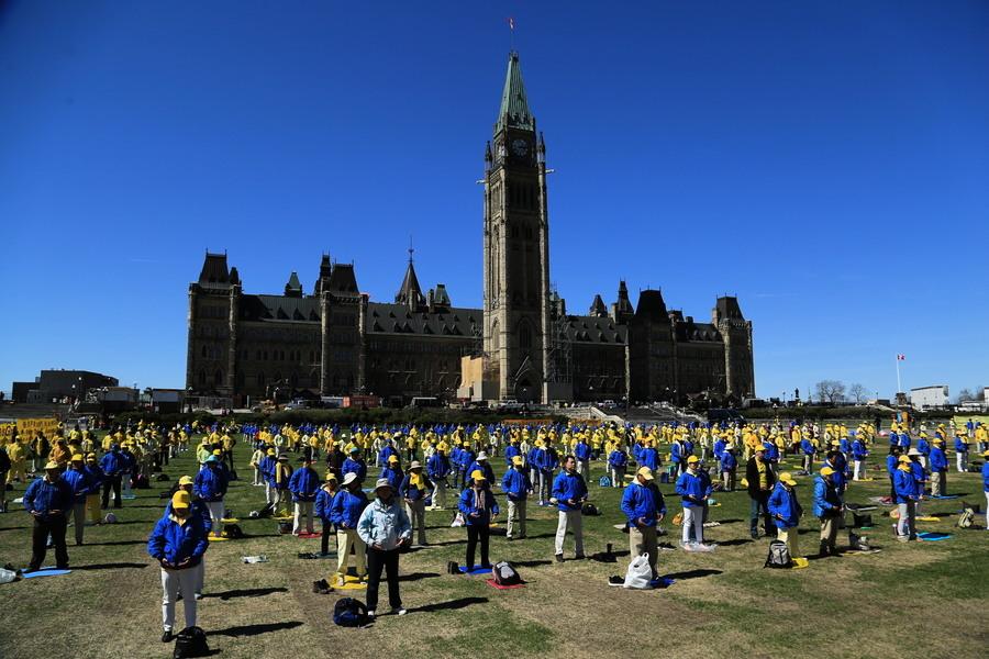 加拿大政要:為法輪功爭取自由煉功權利