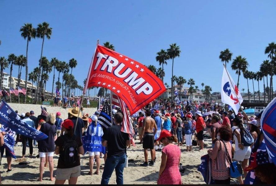 加州上千選民為特朗普祈禱 同步舉行支持活動