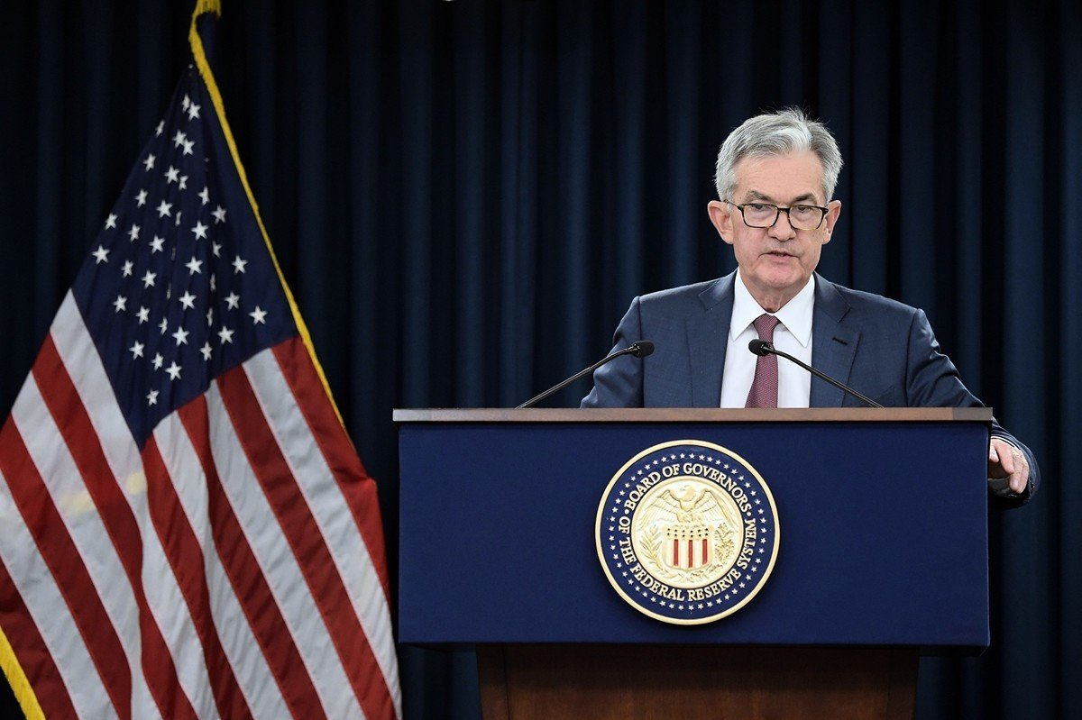 美聯儲周三(10月30日)公佈的聯邦公開市場委員會(FOMC)的最新議息會議結果,決定再次降低美國聯邦儲備金率25個基點,這是2019年以來的第三次減息。 圖為美聯儲主席傑羅姆・鮑威爾(Jerome Powell)。( ERIC BARADAT/AFP via Getty Images)