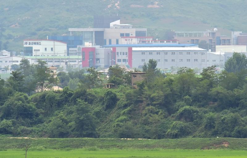 2020年6月16日,位於北韓境內開城工業園區的南北共同聯絡事務所被炸毀。圖為開城工業區一景。(JUNG YEON-JE/AFP)