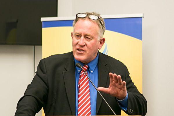前紐西蘭行動黨副主席特雷弗‧勞登(Trevor Loudon)先生2018年5月9日在美國國會舉辦的退黨論壇上發言。(李莎/大紀元)