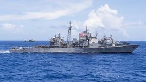 美軍艦通過台海 美官員:中共多艘艦艇尾隨