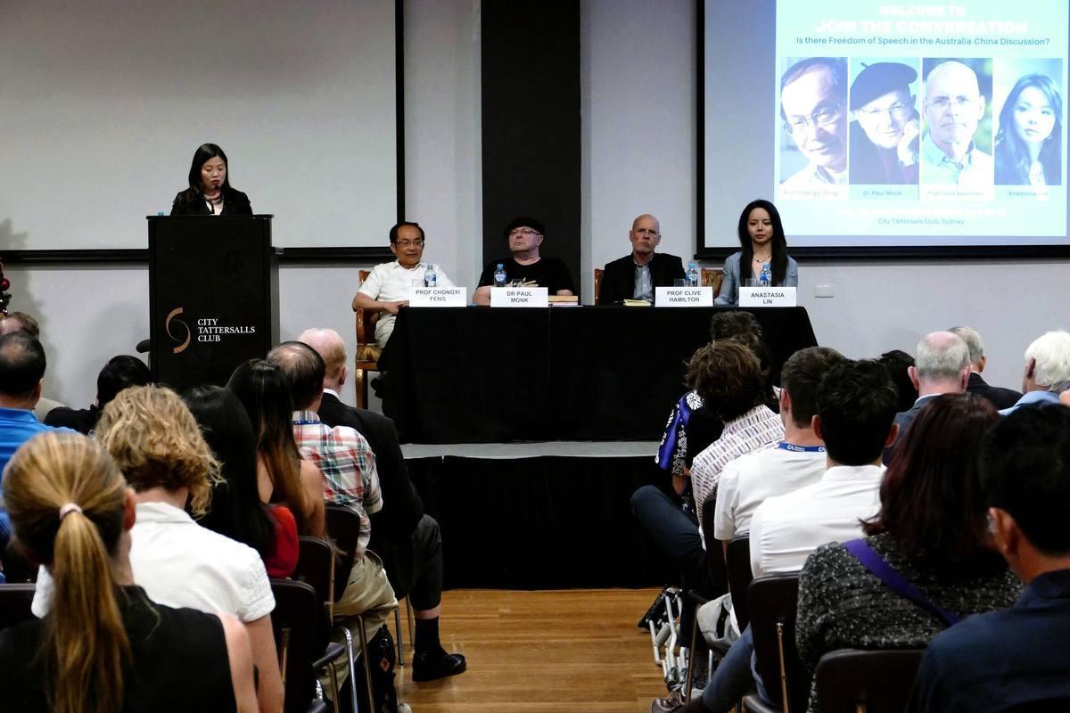 澳洲著名學者及加拿大人權活動家與悉尼主流民眾共同探討如何看待中國與中共,保護澳洲自由平等價值觀等問題。(安平雅/大紀元)