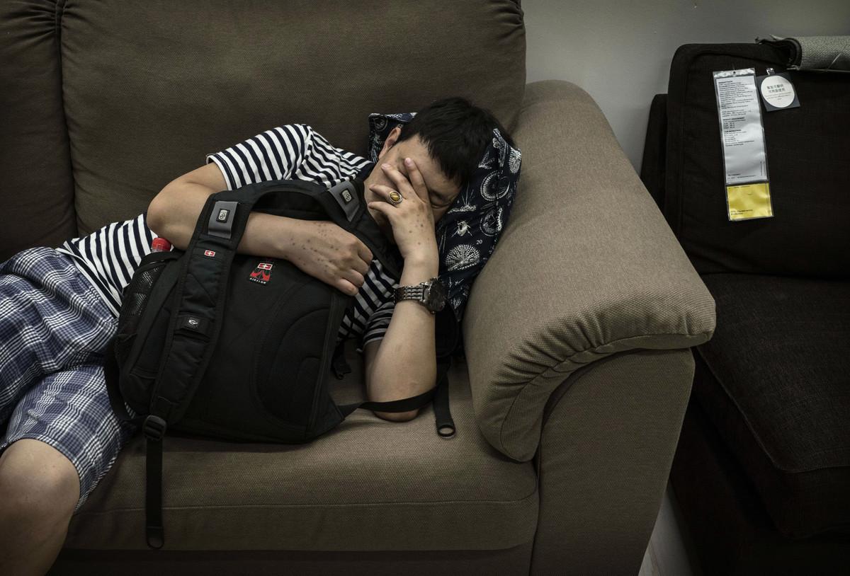 最新調查報告顯示,中國目前有超過3億人存在睡眠障礙。 圖為示意圖。 (Photo by Kevin Frayer/Getty Images)