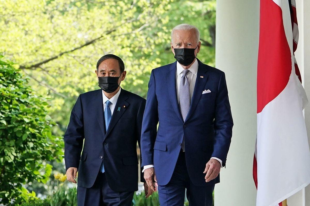 美國總統拜登4月16日在白宮接見日本首相菅義偉,雙方重申美日同盟、以及共同應對中共挑戰。(MANDEL NGAN/AFP via Getty Images)