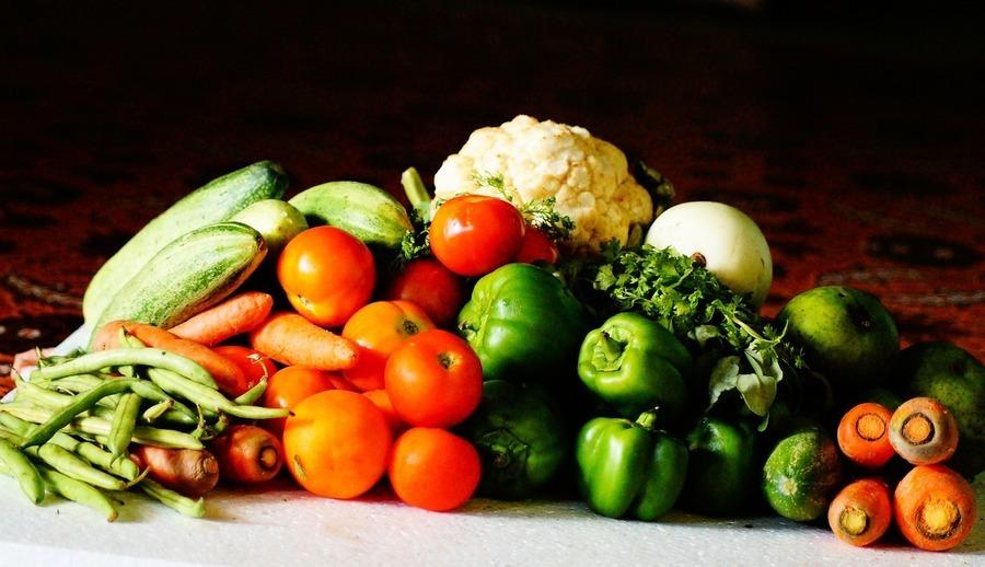 昆州種植場採摘人手奇缺 蔬果恐漲價30%