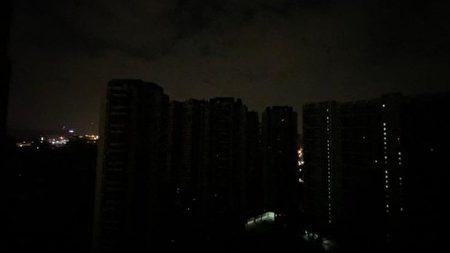長沙限電夜景。(微博圖片)