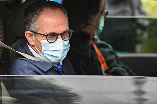 恩巴瑞克(Peter Ben Embarek)和世衛專家小組的其他成員去湖北省動物疾病預防控制中心調查中共病毒的來源。(HECTOR RETAMAL/AFP via Getty Images)