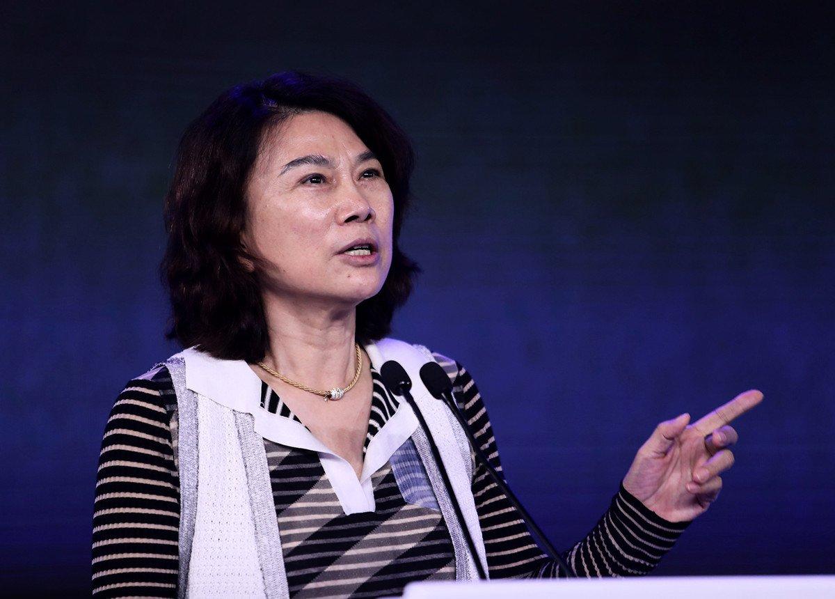 圖為格力電器董事長董明珠在2018年APEC中國首席執行官論壇上講話。(VCG/Getty Images)