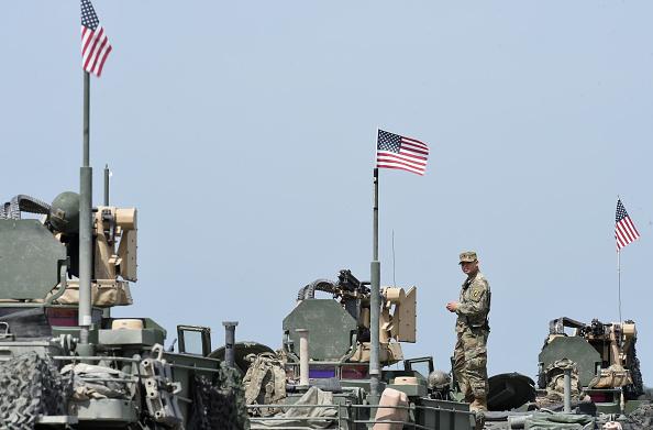 圖為2017年,美軍在德國南部參加一個軍事演習。(CHRISTOF STACHE/AFP via Getty Images)