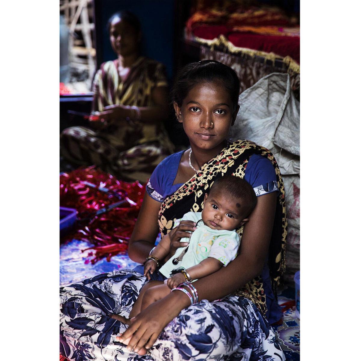 印度加爾各答的母女。(米哈艾拉提供)