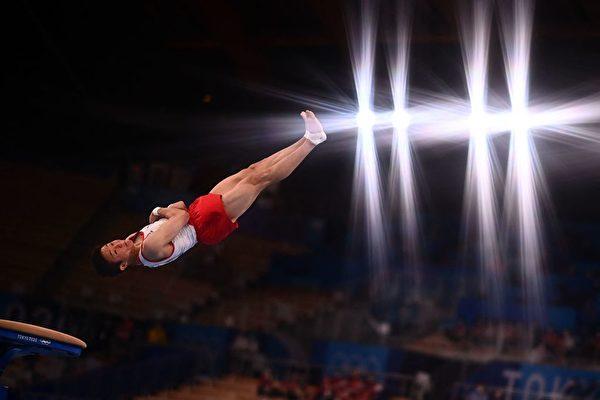 南韓選手申在煥(Shin Jea-hwan),2021年8月2日在東京奧運會男子跳馬決賽中,超越他視作偶像的梁鶴善,拿下南韓體操史上第2枚奧運金牌。(LOIC VENANCE/AFP via Getty Images)