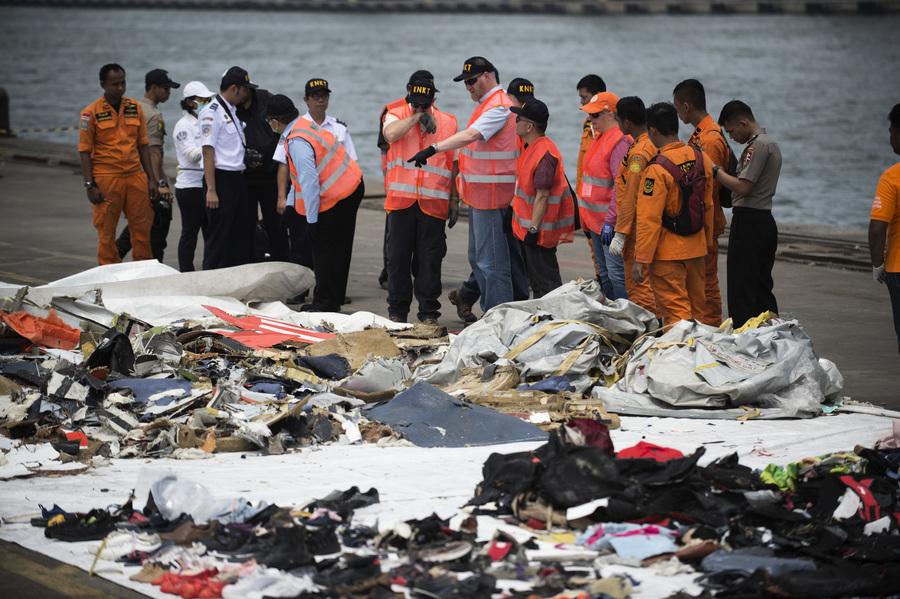 印尼尋獲獅航墜機黑盒子 發現更多死者遺體
