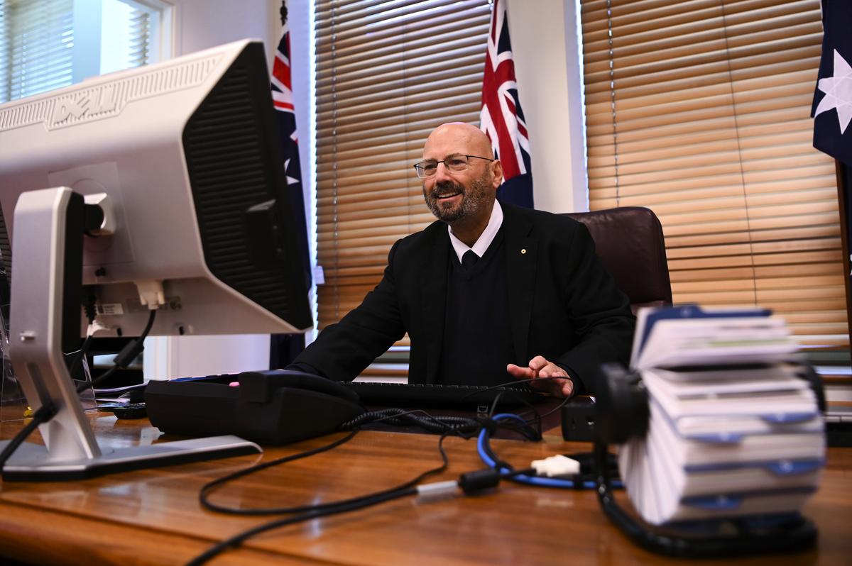 澳洲駐美大使辛納迪諾斯(Arthur Sinodinos)近日在一次會議上表示,除了和北京對抗之外,澳洲沒有別的選擇。(Lukas Coch/AAP)