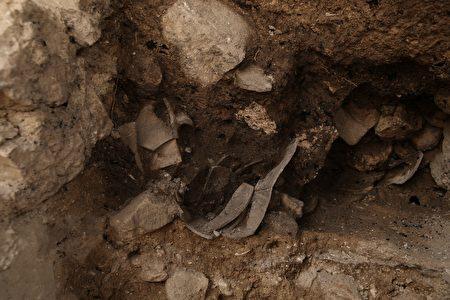 古城牆遺蹟。(由大衛城檔案館的Eliyahu Yanai拍攝,以色列文物局提供)
