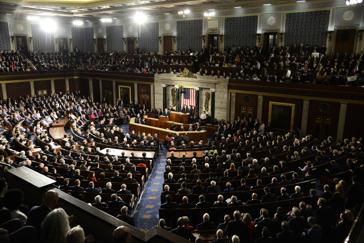 美國眾議院7月26日通過了一項7,160億美元的《國防授權法案》,旨在遏制中國在美國的投資,並禁止美國政府使用中國主要電信公司的技術和產品。圖為美國眾議院。(Mike Theiler / AFP)