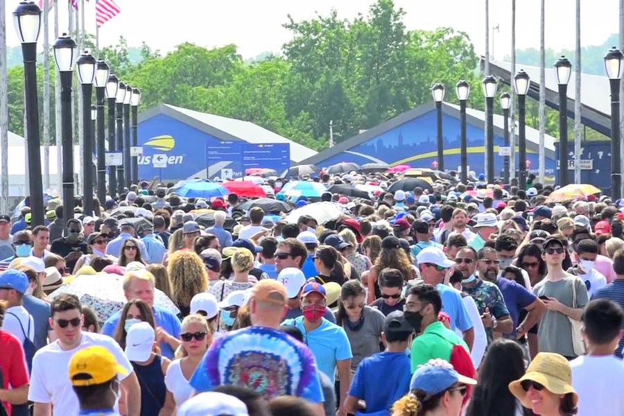 美國網公開賽|開幕首日球迷排兩小時入場