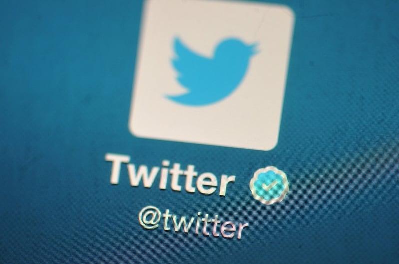 媒體人「財經冷眼」呼籲,成立自媒體協會,抵制谷歌、推特等大公司言論審查。(Bethany Clarke/Getty Images)