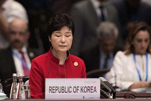 萬人集會促下台 朴槿惠陷密友醜聞四面楚歌