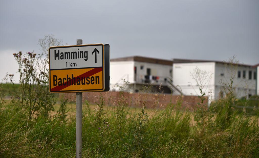 德國巴伐利亞州馬明格市(Mamming)又爆出群聚感染事件,一家罐頭廠166名員工感染。(CHRISTOF STACHE/AFP via Getty Images)
