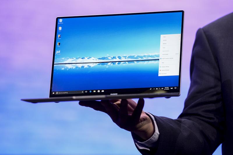 微軟似乎停止在該公司在線商店銷售華為的MateBook X Pro(圖)。(Photo by Josep LAGO/AFP)
