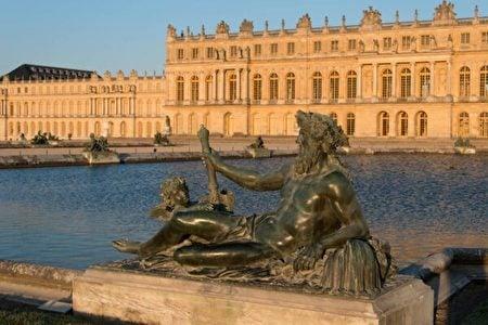 象徵隆河(Rhone river)的雕像。(Thomas Garnier/Chateau de Versailles,凡爾賽宮提供)