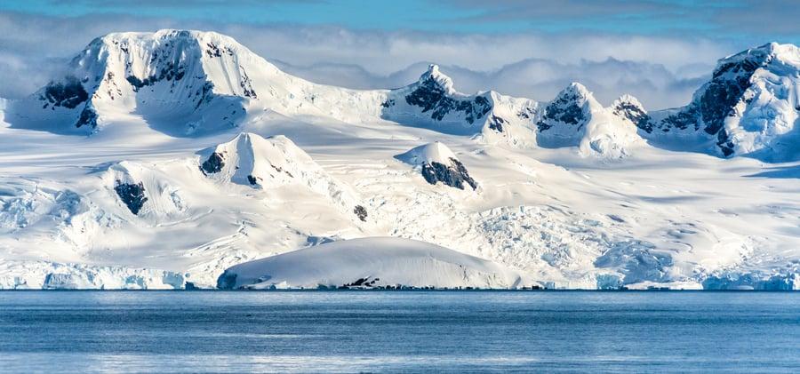 南極發現第一塊毫無生命的土地