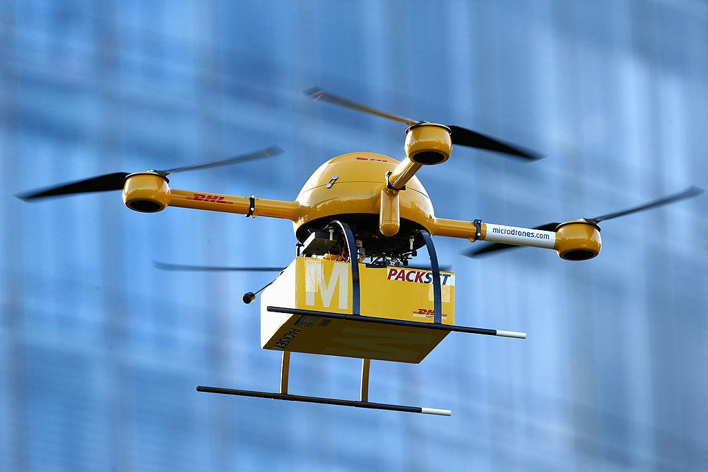 美國無人機公司Wing正在向維珍尼亞州克利斯汀堡(Christiansburg)的居民提供零食和保健產品無人機遞送服務。示意圖。(Andreas Rentz/Getty Images)