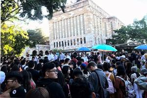 留學生因疫情回國讀高職高專?委員提案惹怒