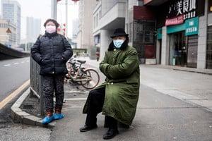 聽信黨媒報道 江蘇染疫翁服雙黃連病情加重