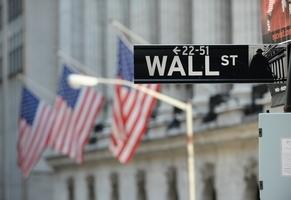 經濟傳佳音美股創高 美債利率悄悄滑落