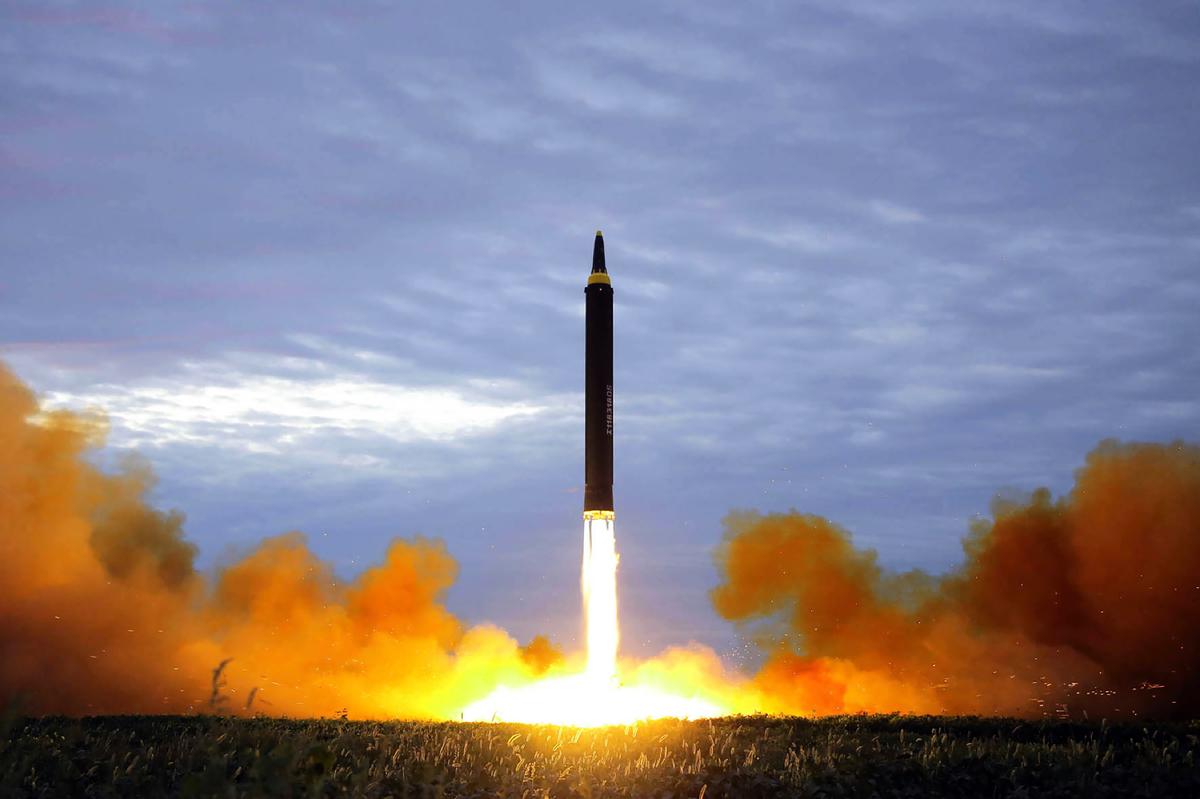 最新衛星圖像顯示,北韓首都平壤附近的一個設施場地有活動跡象,表明北韓可能正在準備發射火箭或衛星。特朗普總統3月6日表示,北韓若真恢復導彈發射場,他會對金正恩很失望。(STR/AFP/Getty Images)