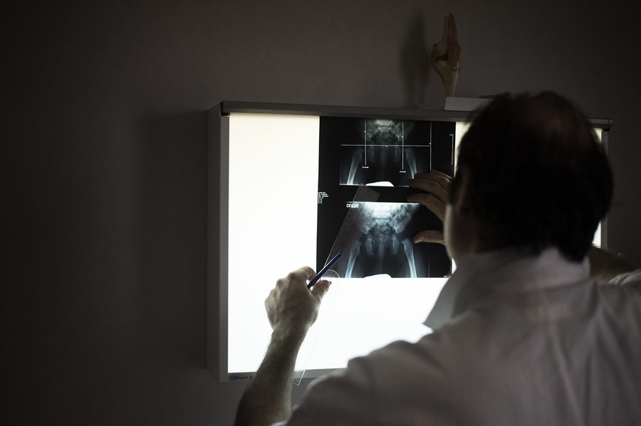 X射線機輻射超標 重慶一醫院十多名職工患癌