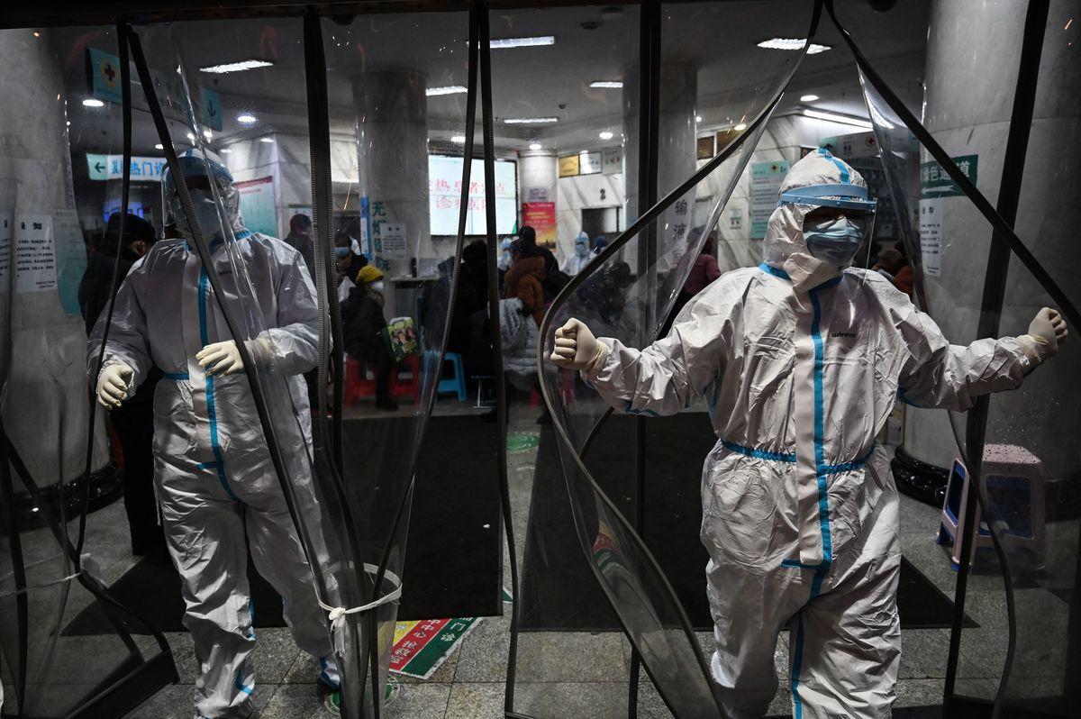 圖為武漢的一家醫院。 (HECTOR RETAMAL/AFP via Getty Images)