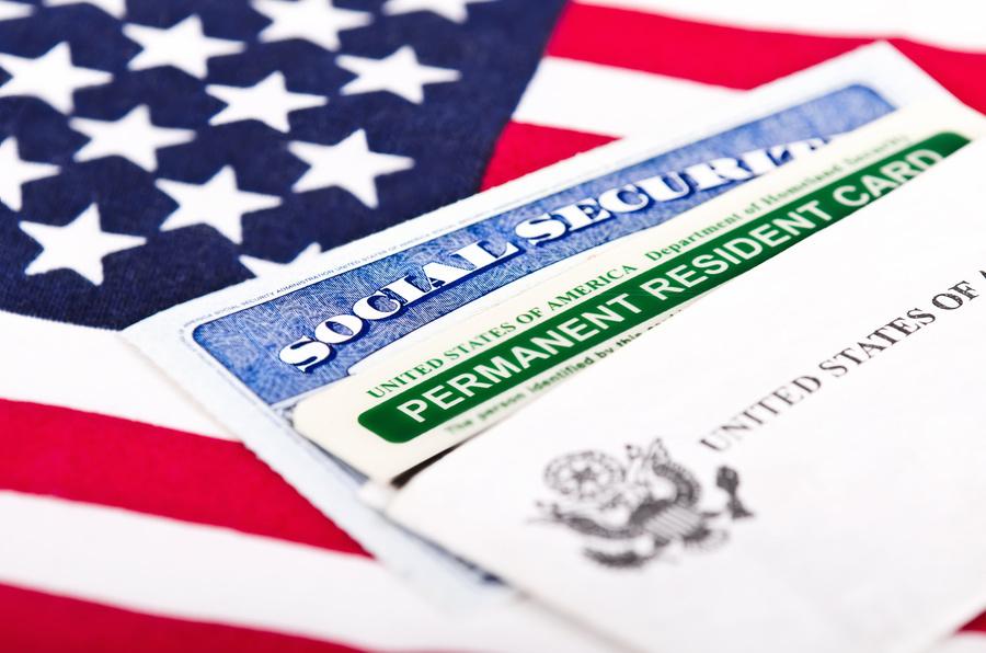 美移民局:申請綠卡時 可同步申請社會安全號