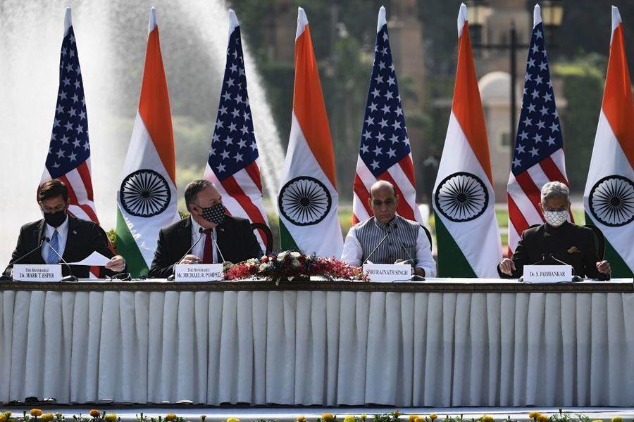 蓬佩奧訪問印度 呼籲兩國聯手共抗中共