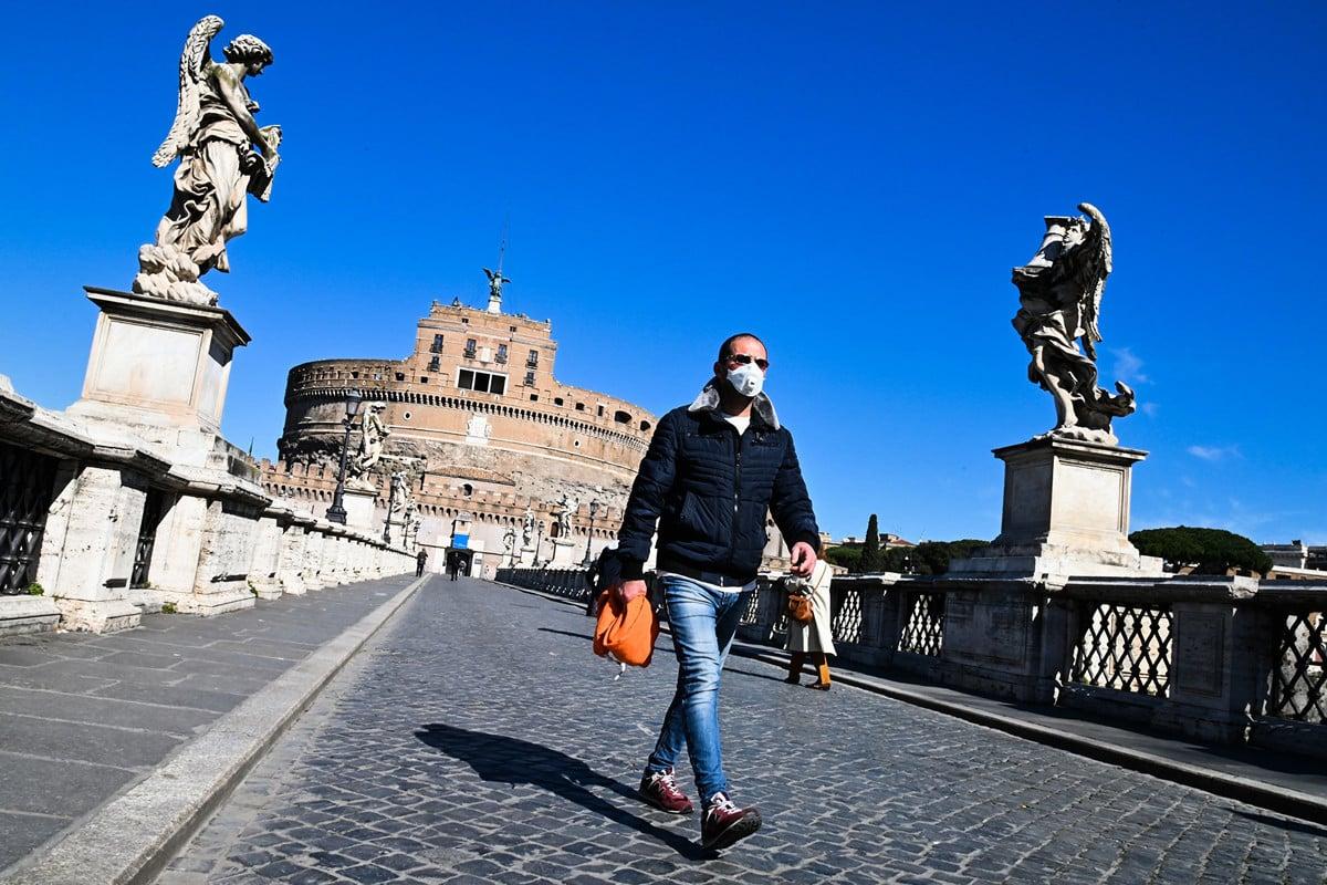 周三(2020年3月11日)是意大利舉國封城的第二天,確診中共肺炎(俗稱武漢肺炎、新冠肺炎)新增病例超過2000,死亡人數再創新高,單日達196例。圖為3月11日羅馬一景。(Photo by ANDREAS SOLARO / AFP)