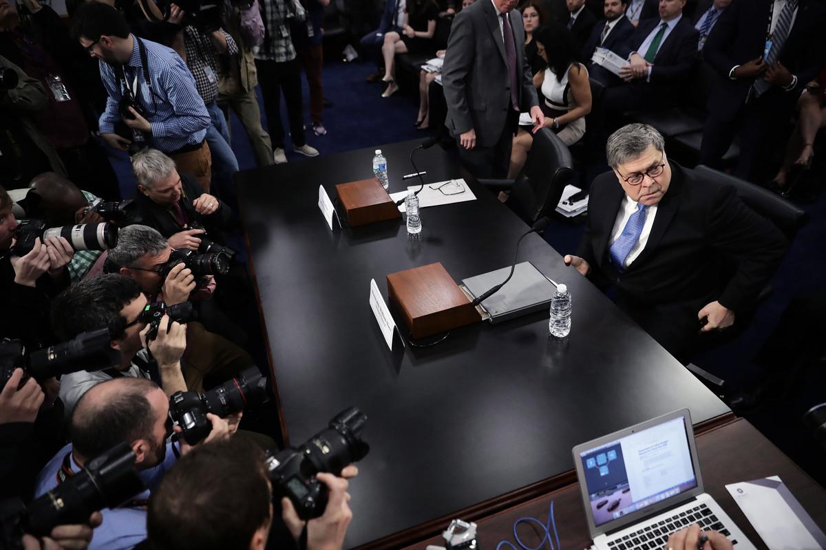 周二(4月9日)上午,美國司法部部長威廉姆・巴爾(William Barr)出席國會聽證會,吸引大批媒體報道。(Chip Somodevilla/Getty Images)