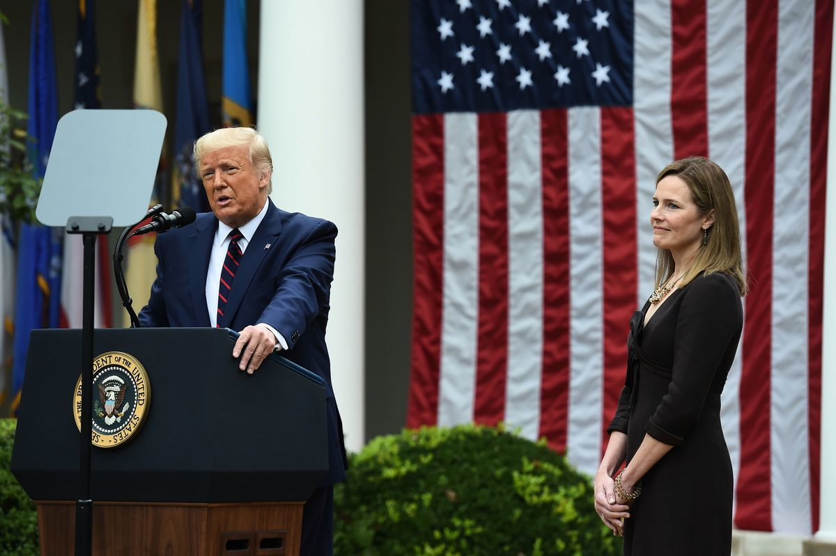 2020年9月26日,特朗普宣佈,選擇巴雷特(Amy Coney Barrett)作為下一任最高法院法官提名人。(OLIVIER DOULIERY/AFP via Getty Images)
