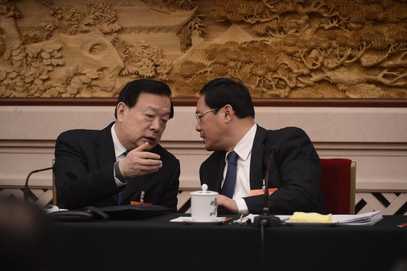 自2015年以來,北京官場出現多次大調整,有報道披露,浙江省委書記夏寶龍將接郭金龍的班,出任北京市委書記。圖為夏寶龍(左)和浙江省長李強。(大紀元資料室)