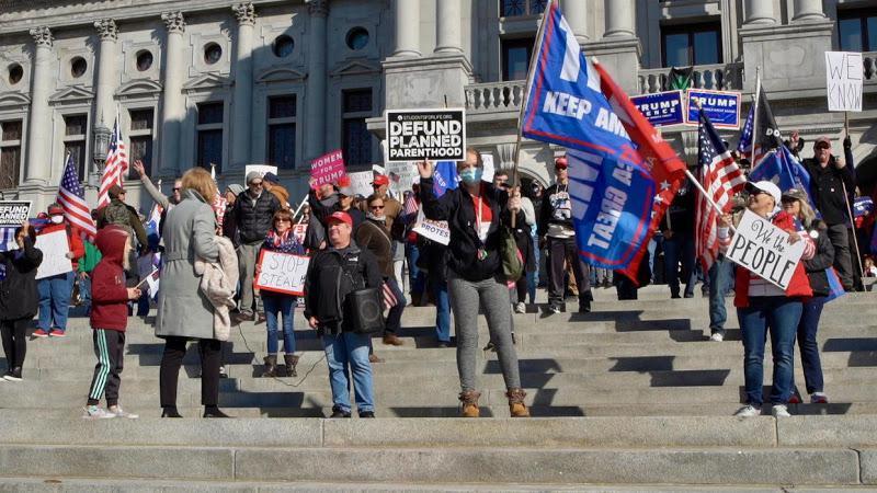 組圖:賓州居民抗議大選舞弊 為自由抗爭