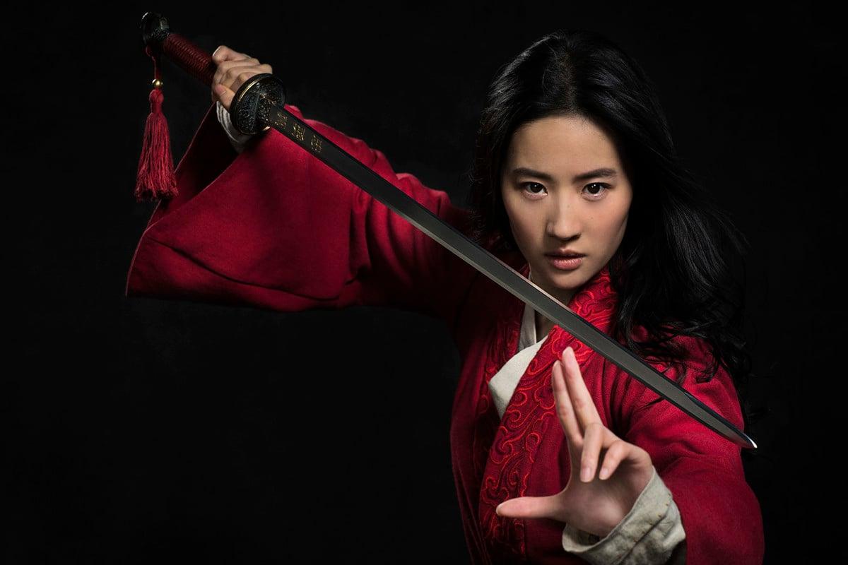 劉亦菲主演的《花木蘭》真人電影引發爭議。日前,迪士尼CEO終於承認,影片因爭議影響了票房。(迪士尼提供)