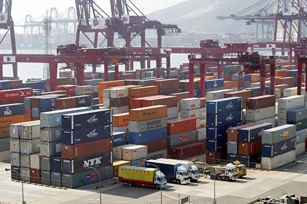 美國規定,自2020年9月25日開始,由香港出口到美國進入倉庫或從倉庫取出以供消費時,貨品產地不得再標註「香港製造」(Made in Hong Kong),一律改標為「中國製造」(Made in China)。(AFP/Getty Images)